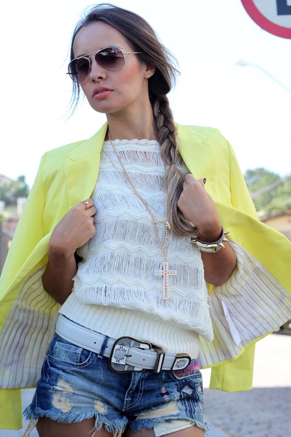 look-blazer-amarelo-zara-trendy-box-e-alpagarta-kafe-acessorios-cinto-apache-lilly