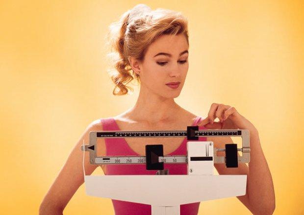 mulher_balanca_dieta_630